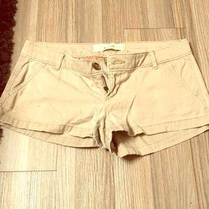Hollister tan shorts size 3